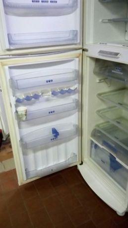 продам холодильник WHIRPOOL ( NO FROST)