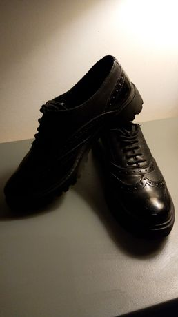 Buty skórzane Lasocki rozm. 39