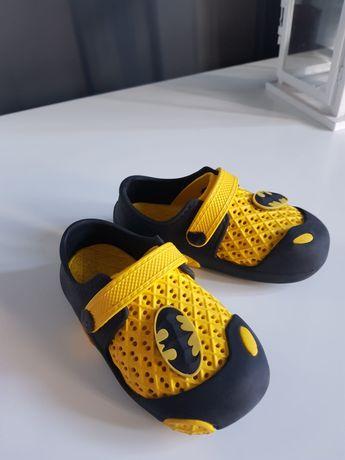 Buty BATMAN piankowe rozmiar 26 długość wkładki 16 cm