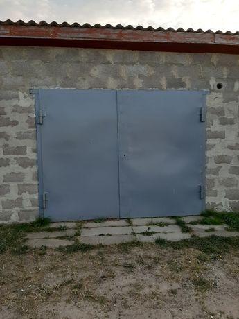 Продаю гараж в с.Поліське
