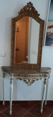Conjunto Antigo com mesa e espelho