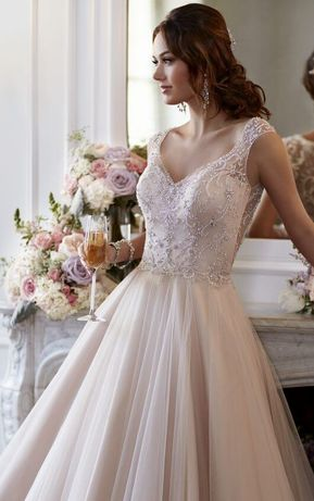 Suknia ślubna Stella York, ivory, dekolt V, linia A, tren