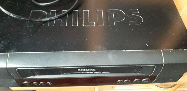 magnetowid Philips zestaw do zgrywania VHS easierCAP