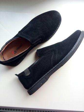 Продам туфли на мальчика 34 р.
