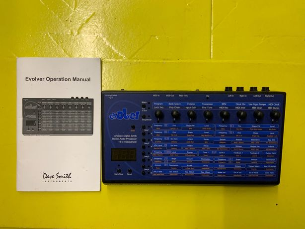 Sintetizador DSI Evolver desktop + software SoundTower
