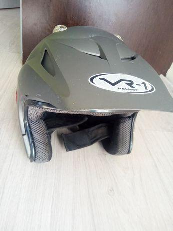 Kask na motocykl skuter VR1 otwarty