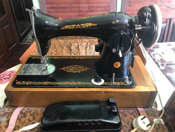 Швейная машина подольская