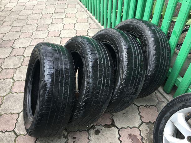 Продам шины 225/65 R17 Kumho Road Venture Apt