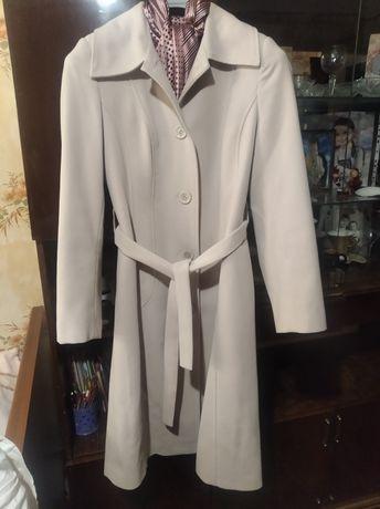 Пальто! В отличном состоянии. Носилось всего раза два!