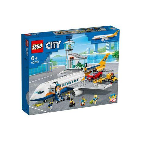 Конструктор LEGO City Пассажирский самолёт 669 деталей 60262