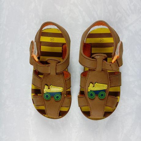 Sandałki / sandały dziecięce / buty na lato / 28