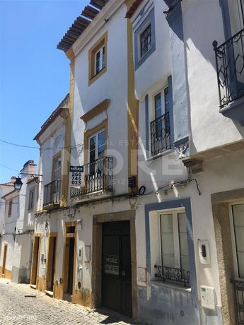 Moradia T2+1 - Centro Histórico de Évora
