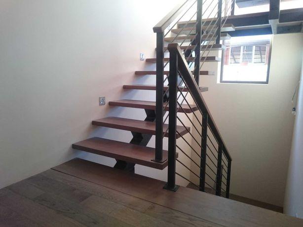 Лестницы металлические под заказ. Изготовление, установка и разработка