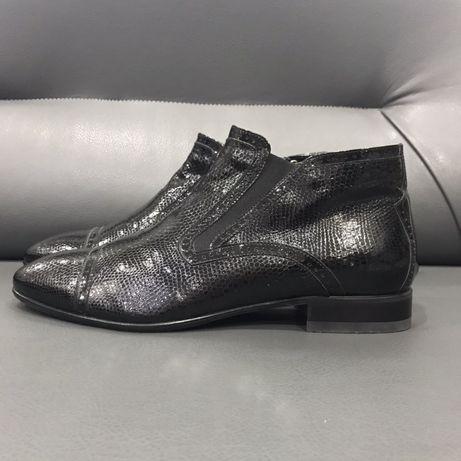 Чоловічи зимові черевики з натуральної м'якої лакованої шкіри 42 р