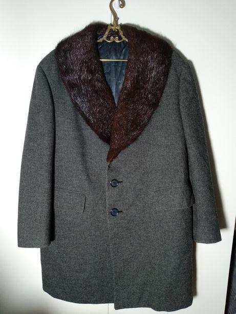 Stary wełniany płaszcz pelisa vintage