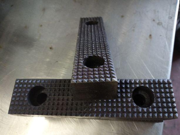 Губки на тиса (тиски), стапель