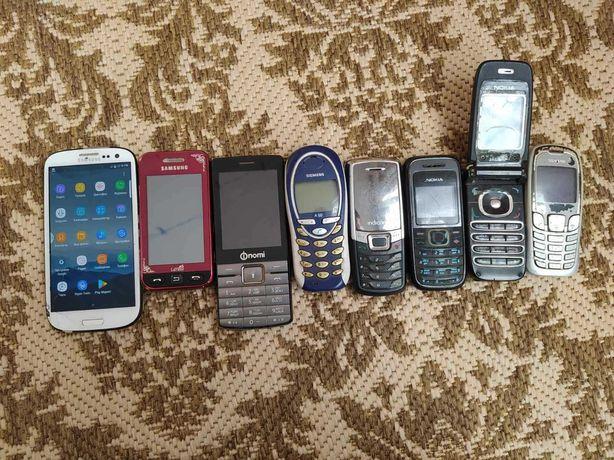 продам комплект телефонов на запчасти
