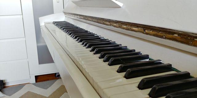 Sprzedam pianino.