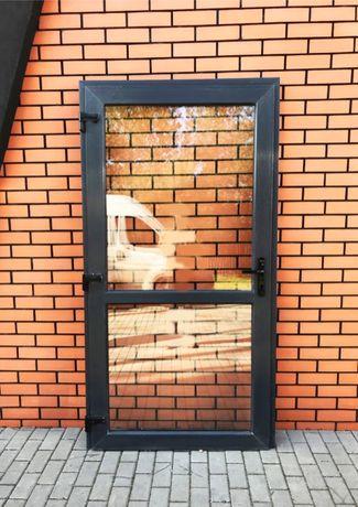 drzwi PCV kolor antracyt 110x210 sklepowe szyba