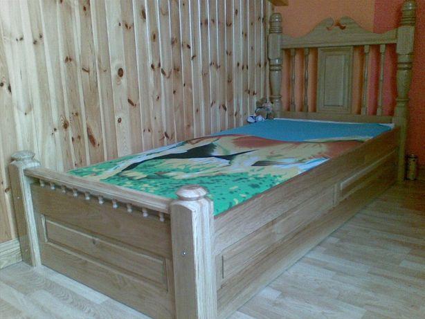 łóżko dębowe lakierowane