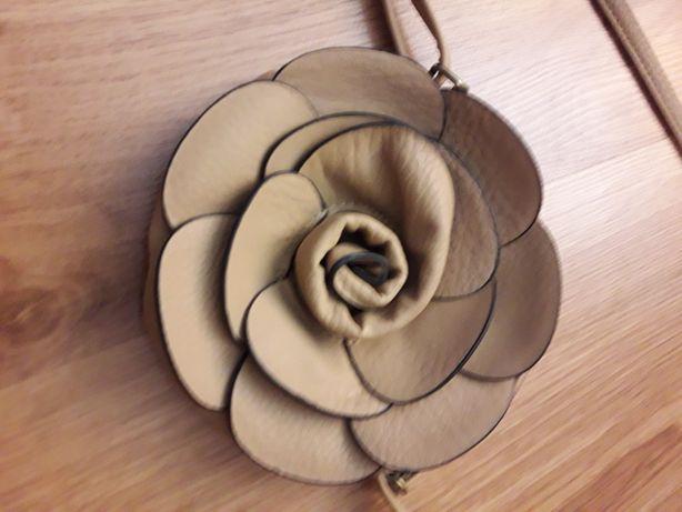 Mała torebka kwiatek