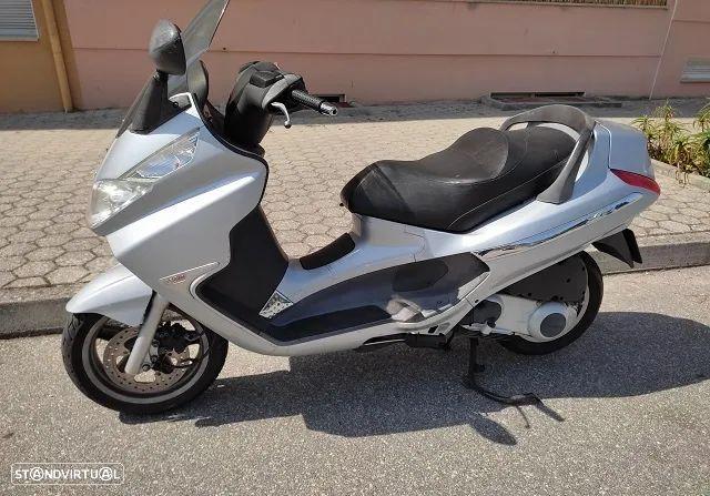 Piaggio XEvo  X8 250