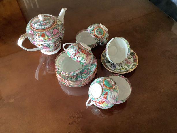Chávenas de chá + bule