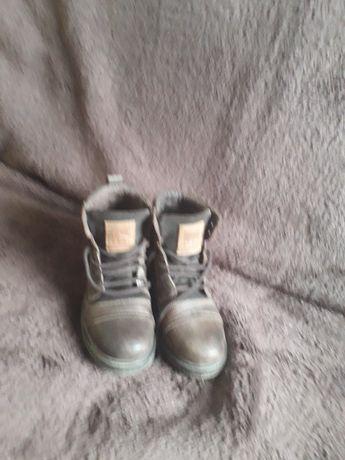 Vendo botas de menino
