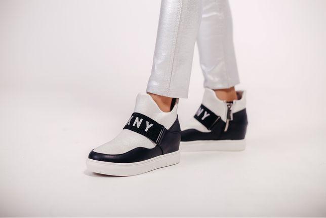 Ботинки сникерсы на девочкк DKNY новые