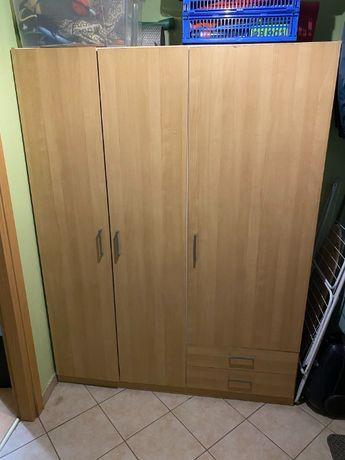 Szafa Ikea z trojgiem drzwi
