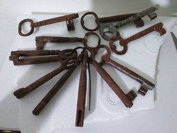 Mais de 70 chaves antigas colecao vintage