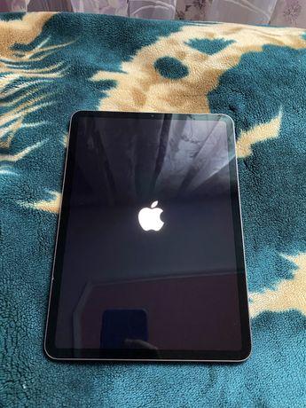 Планшет apple ipad pro 11 1Gen 2018 256gb icloud lock,на запчастини