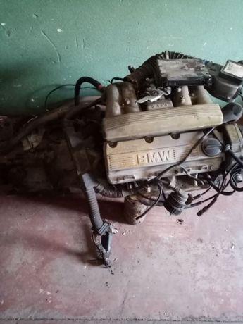 Продам двигатель БМВ