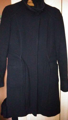 Czarny płaszczyk wiosenno - jesienny