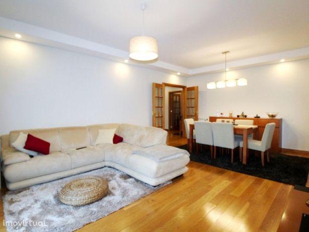 Apartamento de 3 quartos inserido na Urbanização Colinas ...