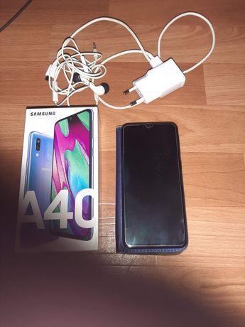 Samsung Galaxy A40 w świetnym stanie! Rok gwarancji! Full Zestaw!