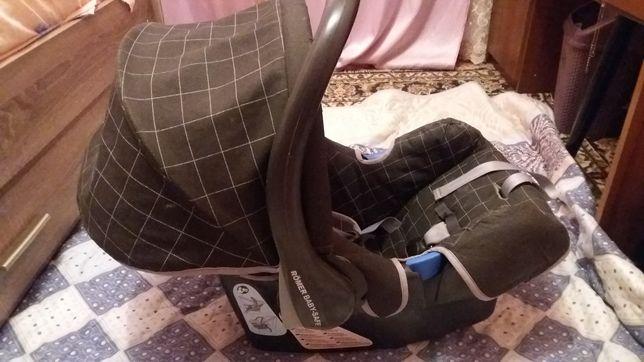 Автокресло для младенцев