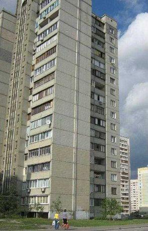 Продам 4-комнатную квартиру на Позняках