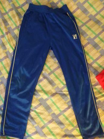 Spodnie dresowe 140 chłopięce