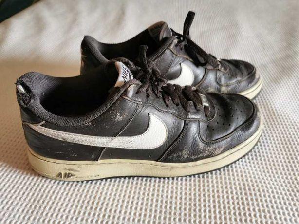 Nike Air Force Castanhas