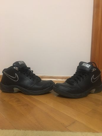 Кроссовки Nike The Overplay V