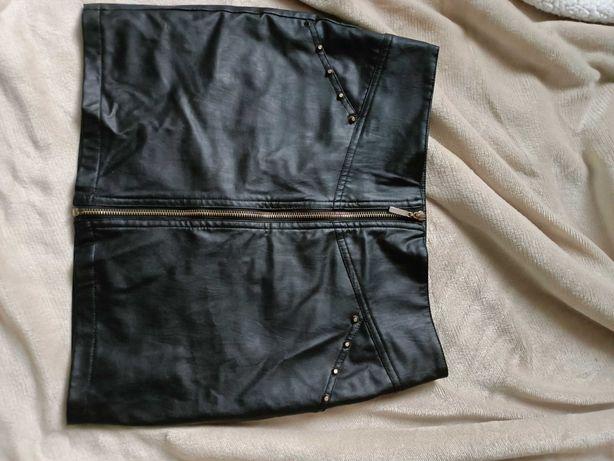 Krótka skórzana spódnica na suwak. Rozmiar M 38