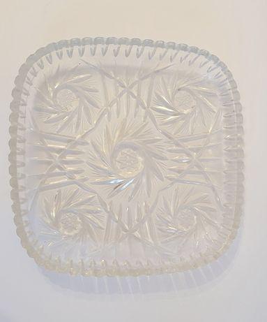 Kwadratowy talerz z kryształu