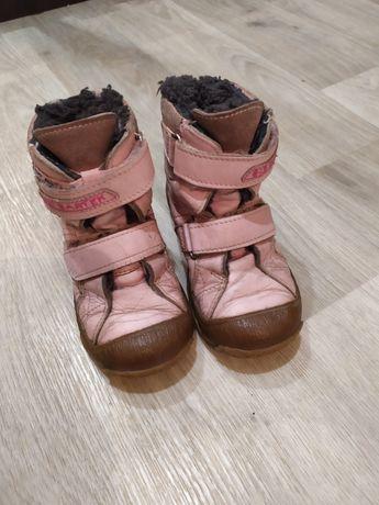 Ботинки на девочку фирмы Бартек