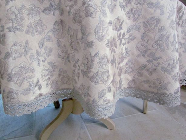 Okrągły obrus styl vintage żakard gobelinowy srebrny szary beż 140/150