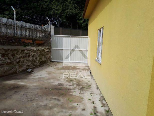 Moradia T2 geminada, totalmente renovada Vila Nova de Gaia