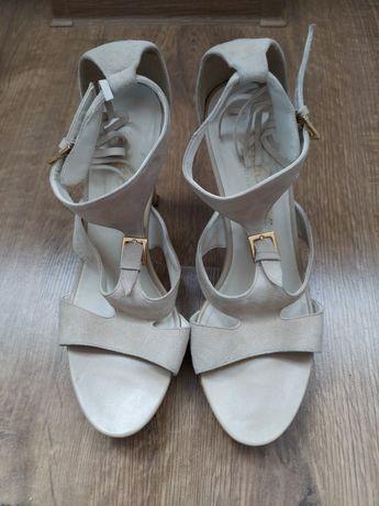 Sandały zamszowe