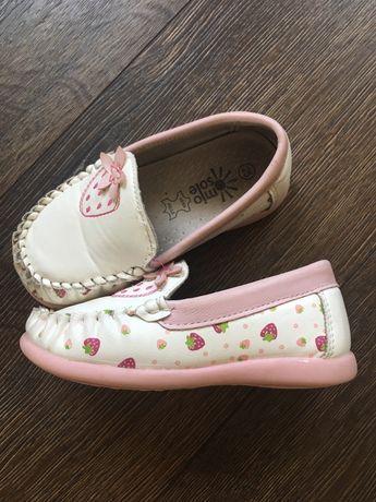 Продам туфельки 25 размер