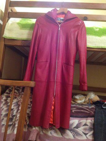 Шкіряне червоне пальто  (осінь  весна)