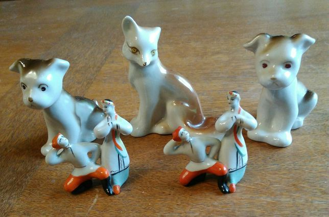 Figurki porcelanowe, sygnowane